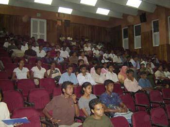 2004_Biology_seminar_studen